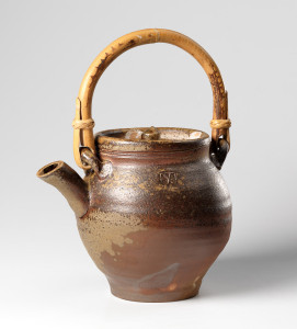Tea pot 1985. Stoneware, natural ash glaze, anagama fired,, bamboo handle. H 15 cm (1 litre). Collection of the National Museum of Art, Architecture and Design, Oslo, Norway. Photo: Frode Larsen